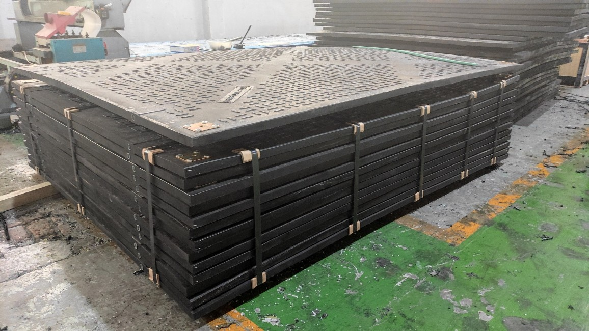 How About the Loading Weight of 3000x2500x38mm Road Mat