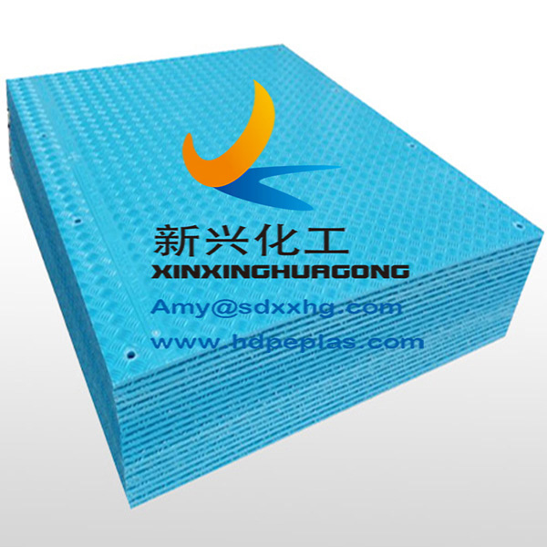 extruded durable light duty ground mat for vehicle