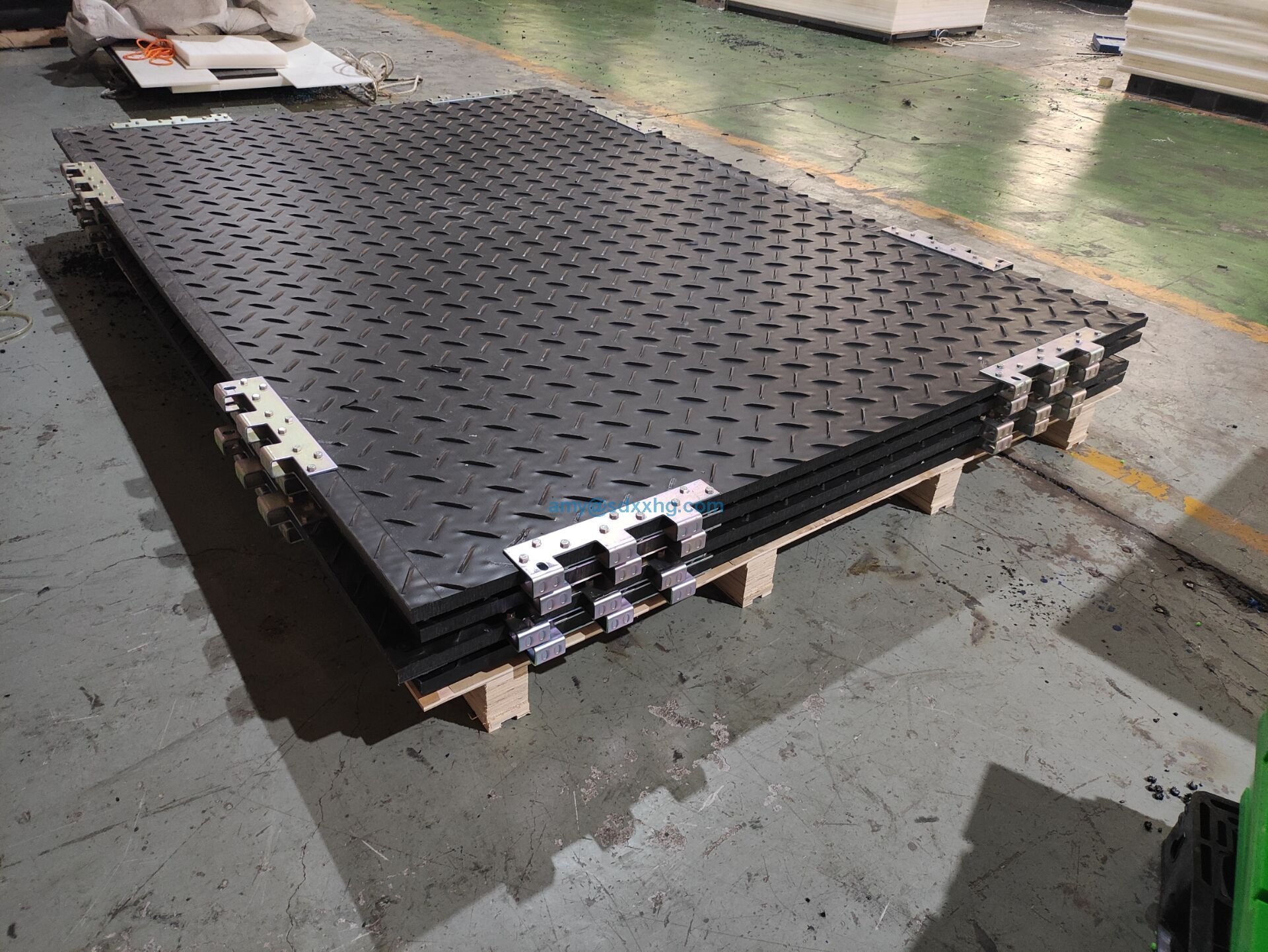 Heavy duty UV protection HDPE plastic ground protection road mat