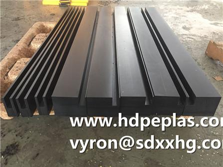 UHMWPE Block with grooves
